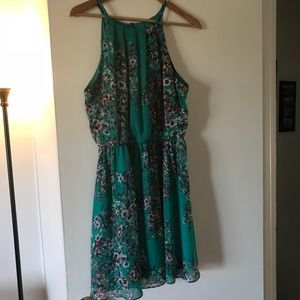 Dresses & Skirts - Green floral printed dress